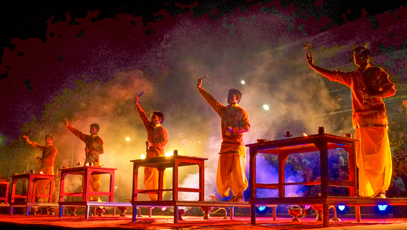 ganga-aarti-in-rishikesh-and-haridwar